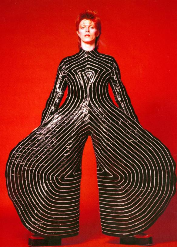 Striped_bodysuit_for_Aladdin_Sane_tour_1973_Design_by_Kansai_Yamamoto_Photograph_by_Masayoshi_Sukita__Sukita_The_David_Bowie_Archive_2012 (Large)